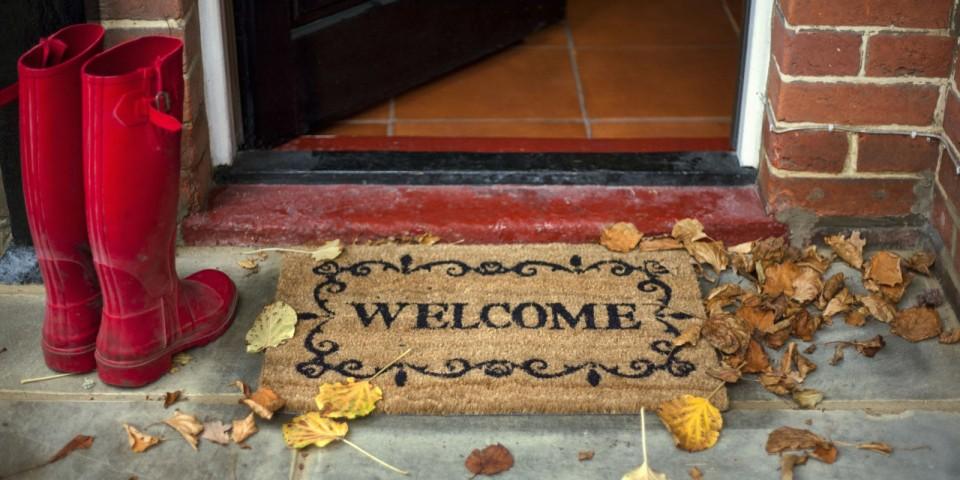 landscape-1441745107-fall-home-welcome-mat.jpg