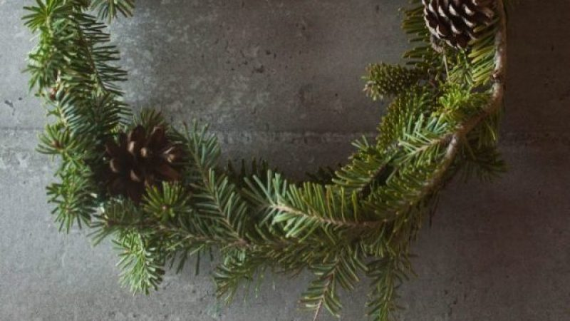 DIY – Naredi sam: Božični venček