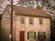 Naveti za prodajo večje stare hiše