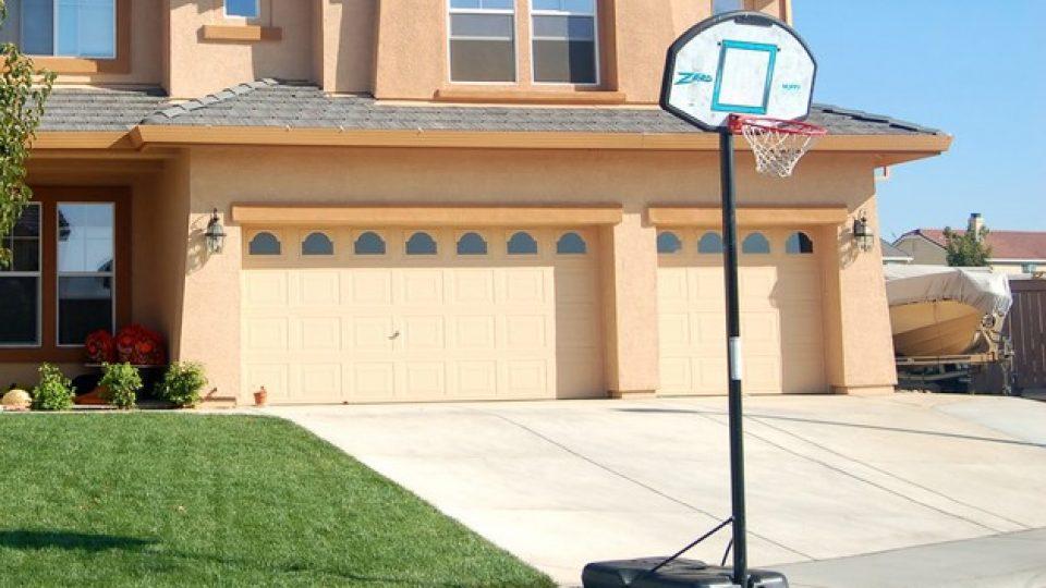 basketball-na-dvoriscu.jpg